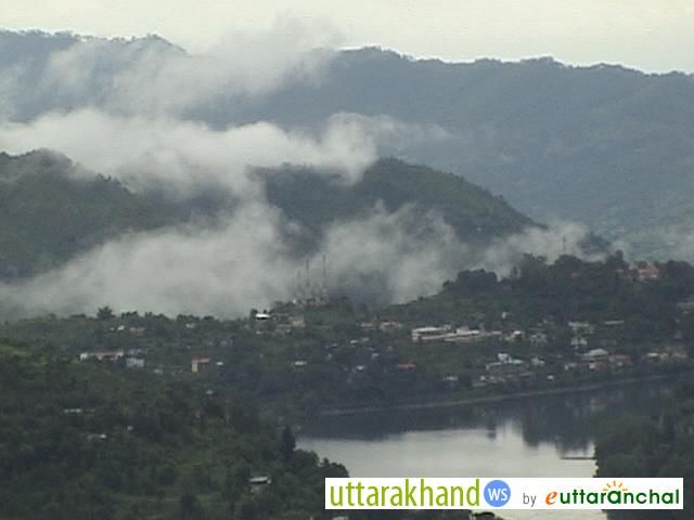 Bhimtal lake in the Misty view